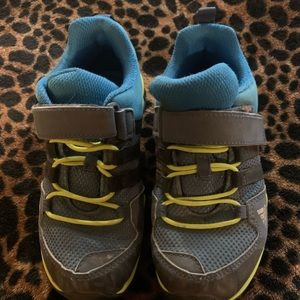 Adidas little boys shoes size 12.5 us